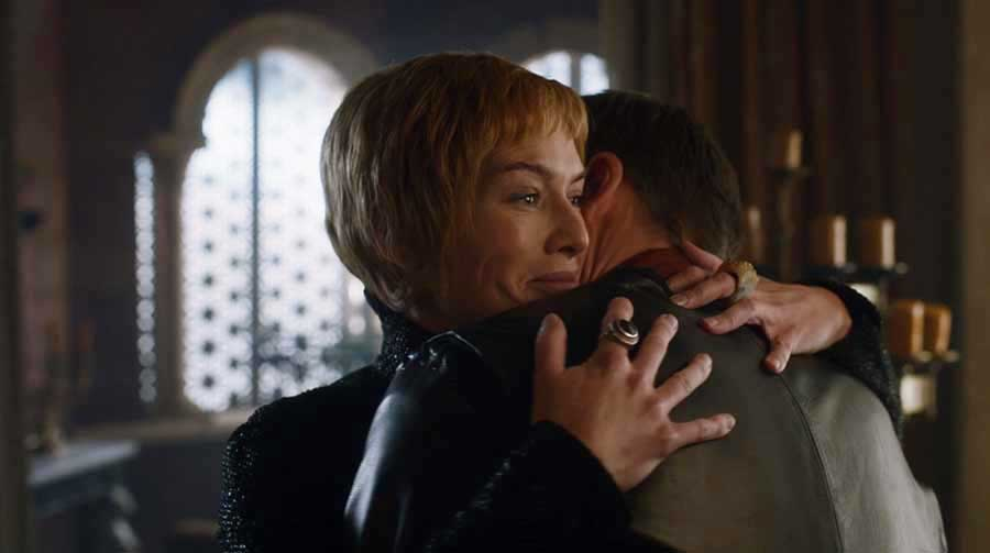 Cersei breaks the news to Jamie she's pregnant
